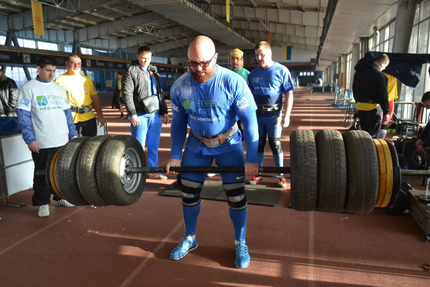В Запорожье на суперфинале богатыри таскали железо и автомобильные колеса (ФОТО), фото-4