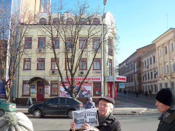 Криворожанам рассказали, почему на месте памятника Ленину поставлен крест, фото-1