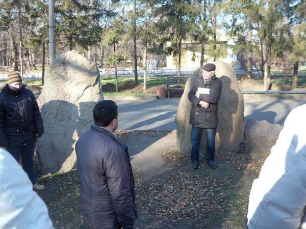 Криворожанам рассказали, почему на месте памятника Ленину поставлен крест, фото-2