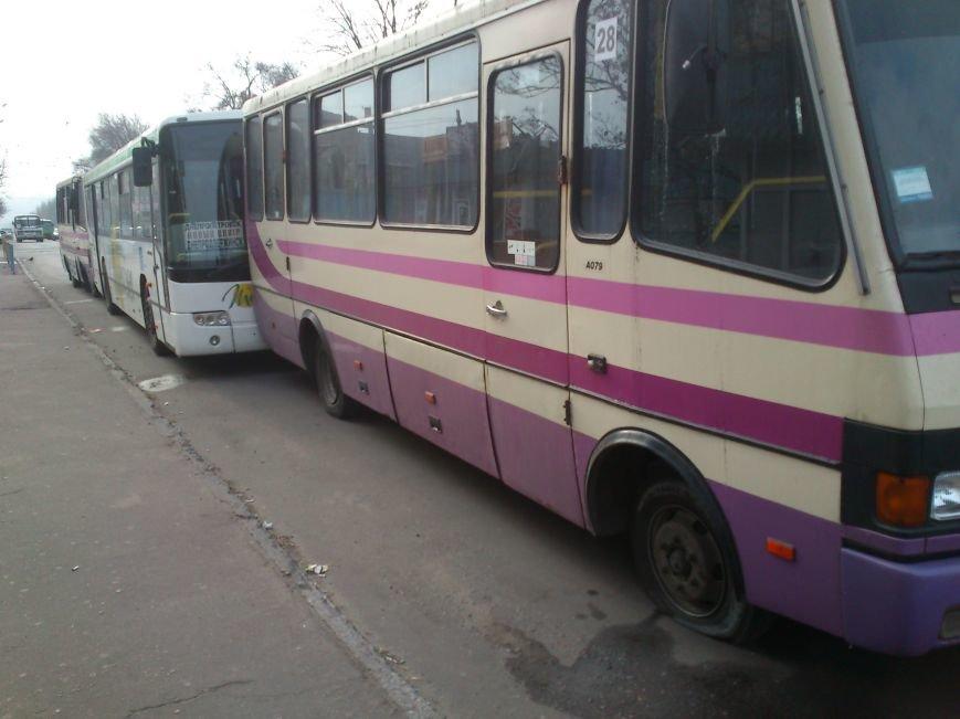 В Днепродзержинске продолжается силовая блокировка нового маршрута на Днепропетровск, фото-3