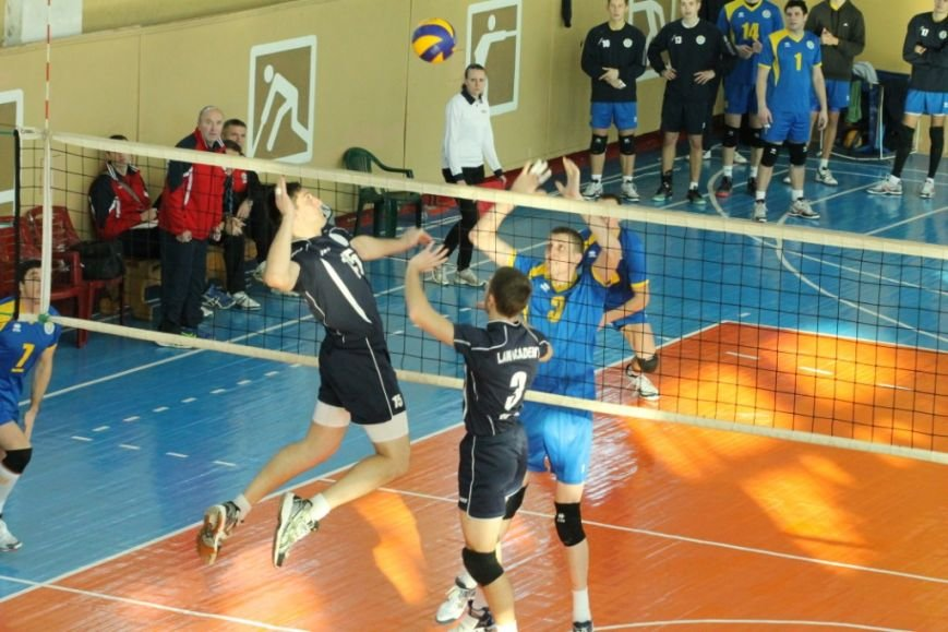 Черниговские студенты с харьковскими юристами обменялись победами, фото-3