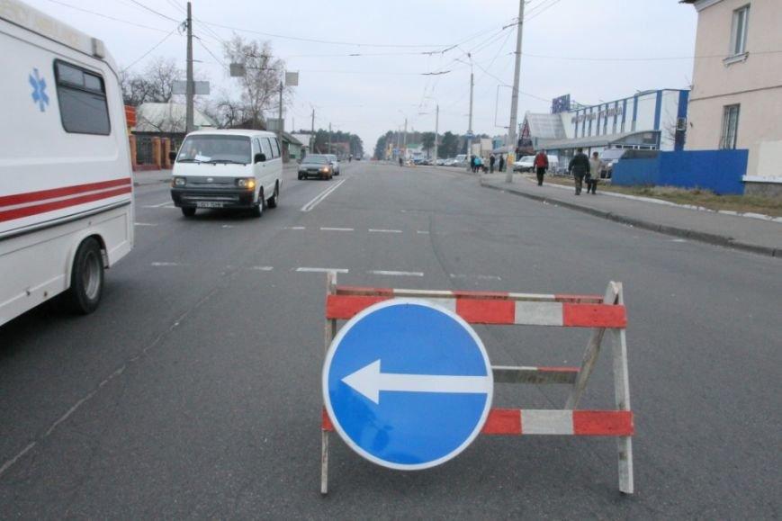В Чернигове принялись доделывать дорогу возле «ВЕНЫ», фото-17