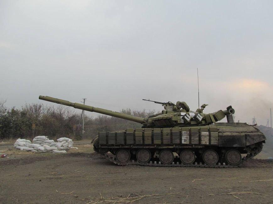 «Черная смерть» уничтожила  5 российских танков под Мариуполем (ФОТО), фото-1