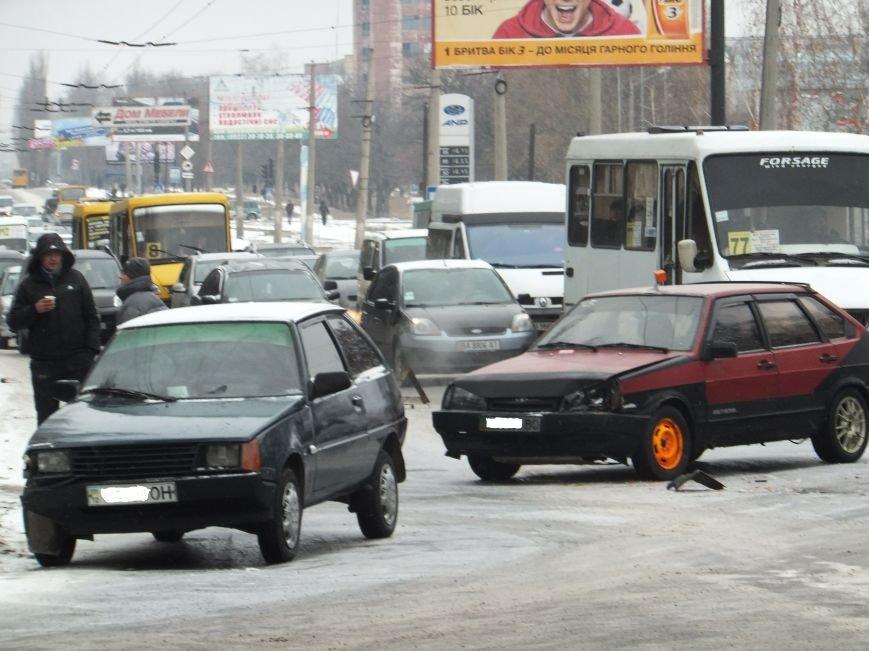 На перекрестке в Кировограде случилось ДТП (фото), фото-2