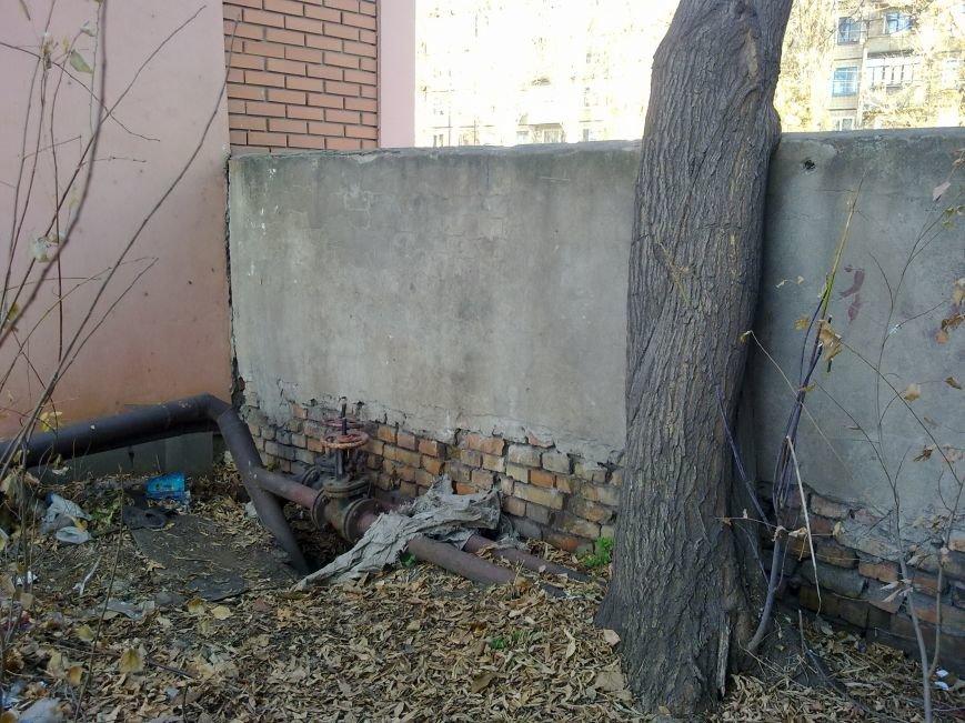 Криворожане мерзнут в квартирах и на работе, пока «голые» трубы обогревают улицу (ФОТОФАКТ), фото-10