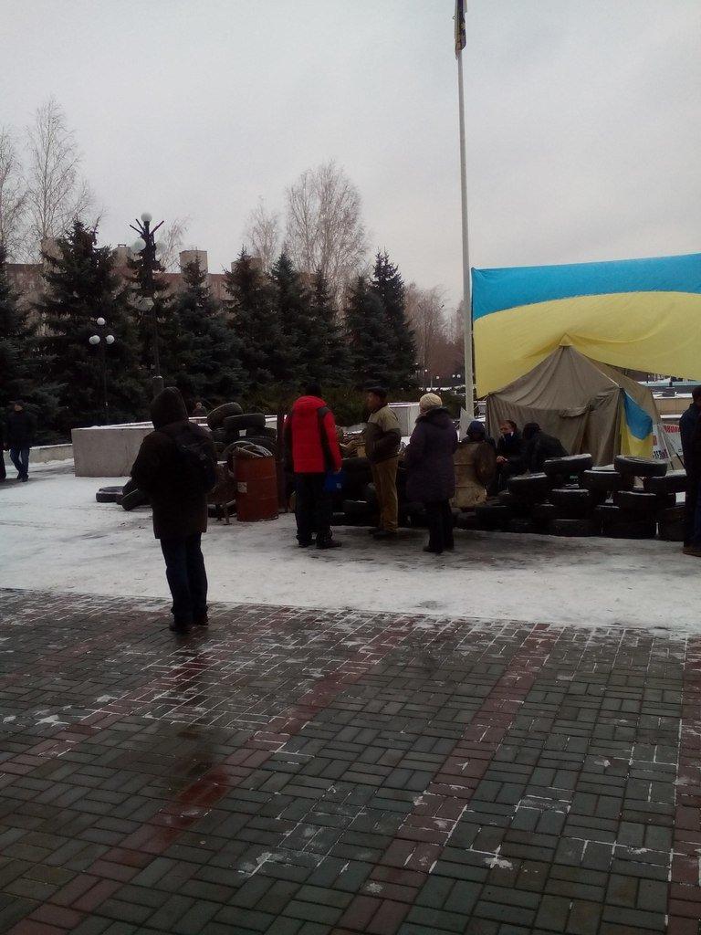 Криворожане установили вторую палатку на Майдане и выдвинули требование смены городской власти (ФОТО), фото-2