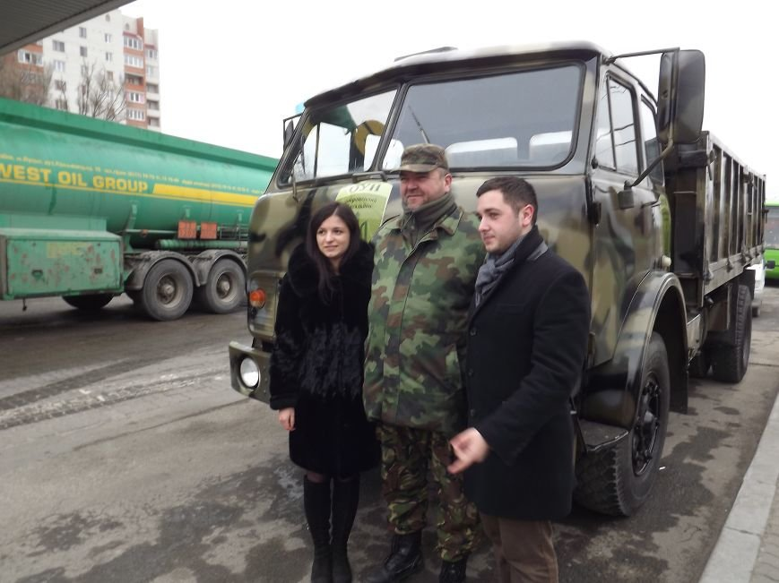 Тернополяни передали батальйону «ОУН» вантажівку з номерами «ПТН ПНХ» (ФОТО) (фото) - фото 1
