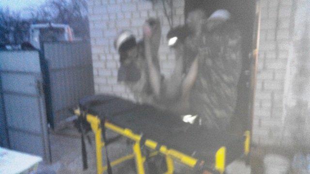 В Андрушівці рятувалиники винесли з палаючого будинку 63-річного чоловіка (фото) - фото 1
