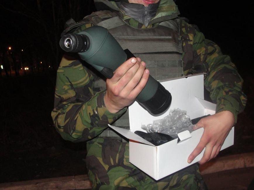 Волонтеры из Лондона прислали бойцам «глаза», а мариупольцы передали телевизоры, фото-1