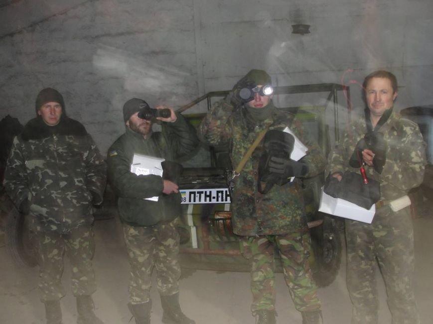 Волонтеры из Лондона прислали бойцам «глаза», а мариупольцы передали телевизоры, фото-3