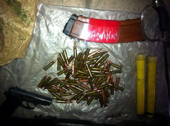 В Добропольском районе задержали девушку-курьера «ДНР», которая поставляла оружие для местной террористической группировки (фото) - фото 2