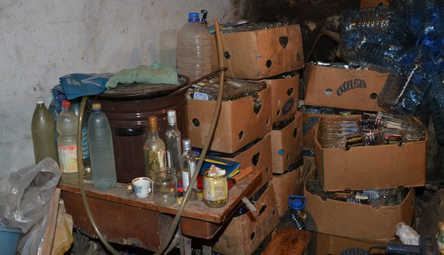 На Тернопільщині людей труїли алкогольним сурогатом (фото) (фото) - фото 1