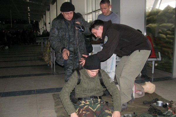 Мариупольским военным показали, как спасать раненых на поле боевых действий (ФОТО), фото-1