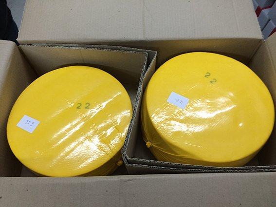 Криворожские победители тендеров кормили школьников колбасой из тухлятины, а их коллеги - «маслом» из маргарина (ФОТО) (фото) - фото 1