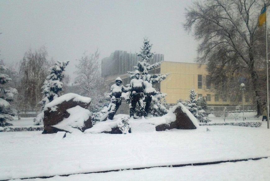 ФОТОРЕПОРТАЖ: Запорожье замело снегом, фото-21
