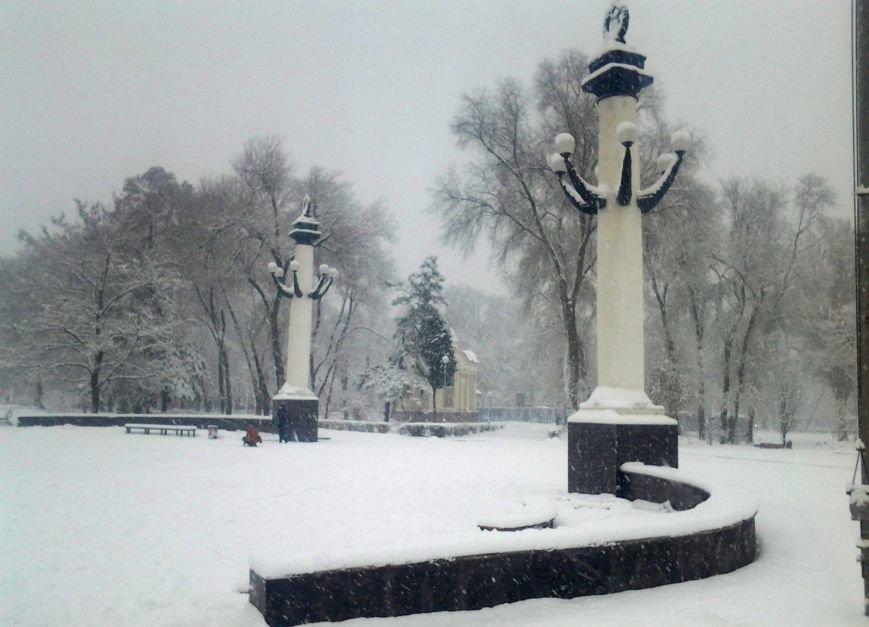 ФОТОРЕПОРТАЖ: Запорожье замело снегом, фото-19