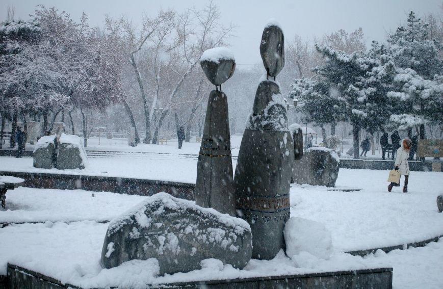 ФОТОРЕПОРТАЖ: Запорожье замело снегом, фото-11