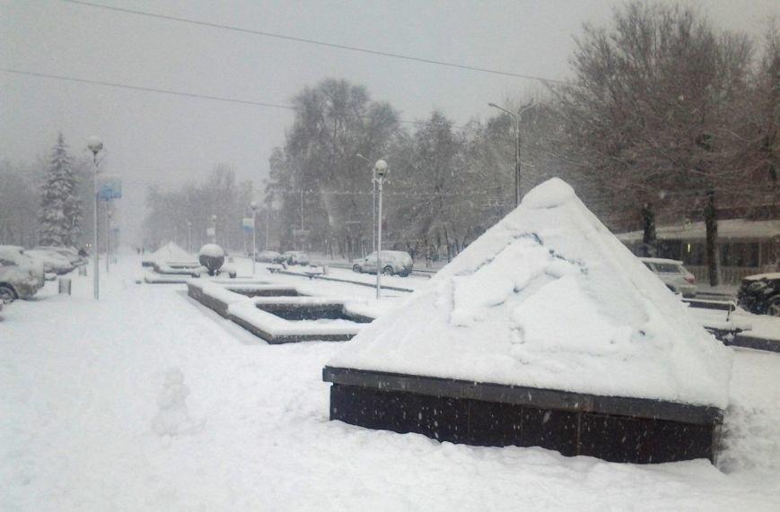 ФОТОРЕПОРТАЖ: Запорожье замело снегом, фото-27