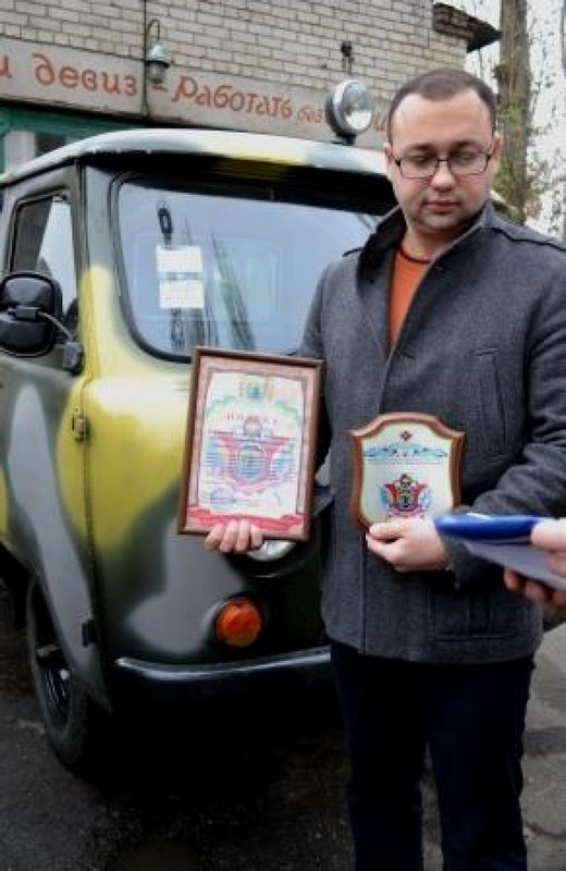 Николаевские врачи передали военным два автомобиля скорой медицинской помощи (ФОТО) (фото) - фото 3