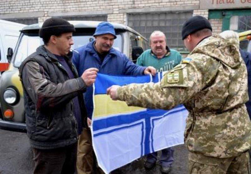 Николаевские врачи передали военным два автомобиля скорой медицинской помощи (ФОТО) (фото) - фото 2