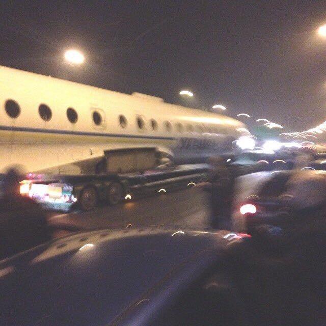 По столичным улицам президентский самолет возили (ФОТОрепортаж) (фото) - фото 1