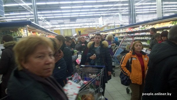 Фоторепортаж: как гродненцы и минчане «брали» литовский «Акрополис» в день скидок, фото-5