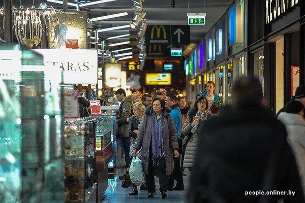 Фоторепортаж: как гродненцы и минчане «брали» литовский «Акрополис» в день скидок, фото-28