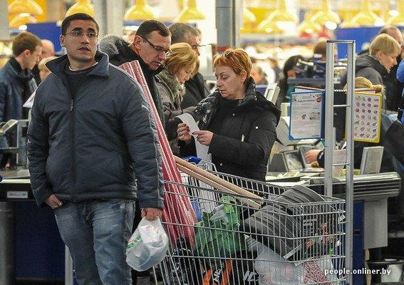 Фоторепортаж: как гродненцы и минчане «брали» литовский «Акрополис» в день скидок, фото-4