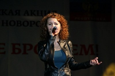 «Своих не бросаем»: благотворительный концерт в Макеевке (фото) - фото 1