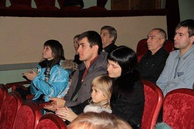 «Своих не бросаем»: благотворительный концерт в Макеевке (фото) - фото 2