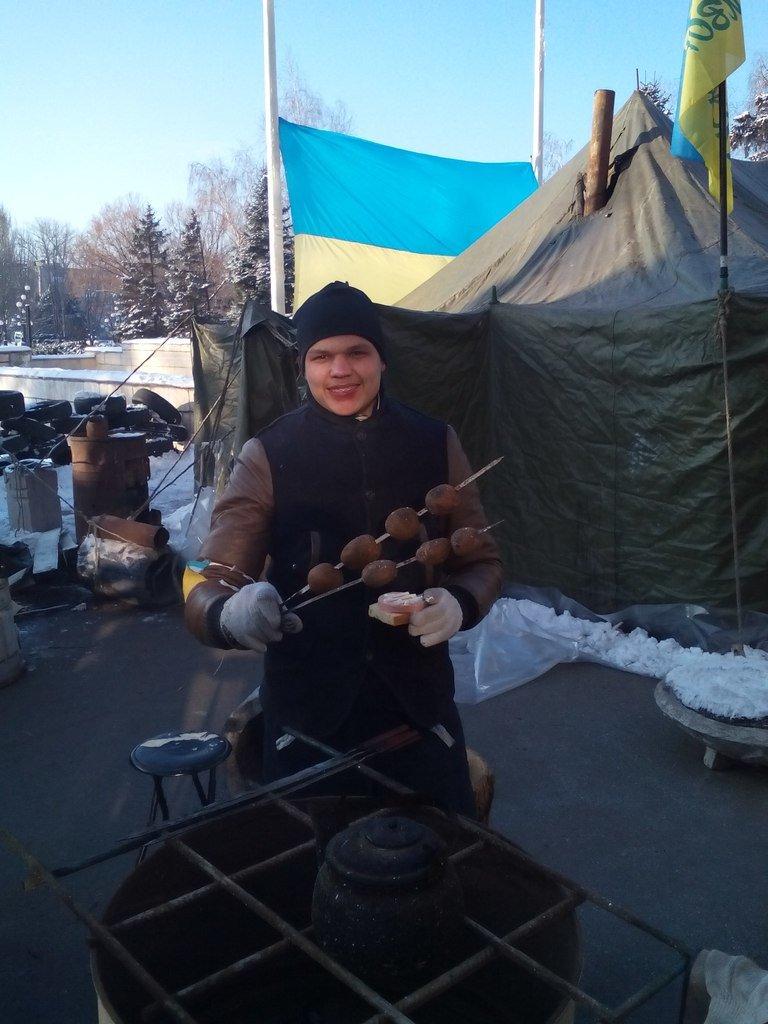 Криворожане попросили чиновников выйти к народу, чтобы вручить им требования Майдана  (ФОТО), фото-2