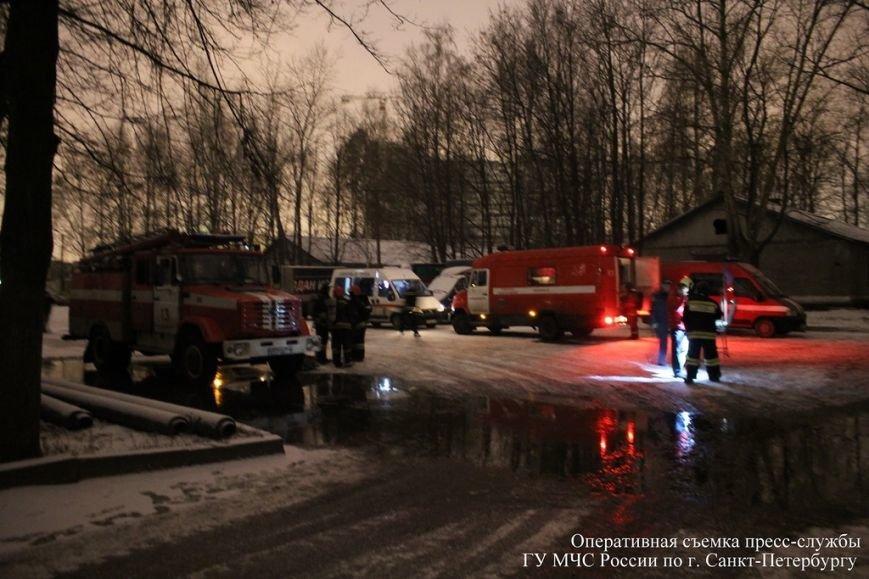 На Бестужевской горел склад морепродуктов (фото) - фото 1