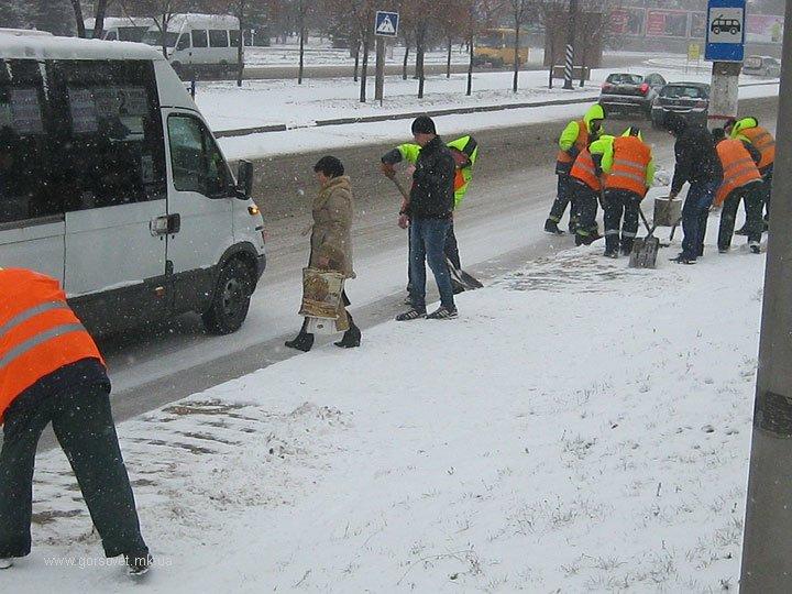 Николаевские коммунальщики привели улицы в порядок после первого снега (ФОТО) (фото) - фото 3