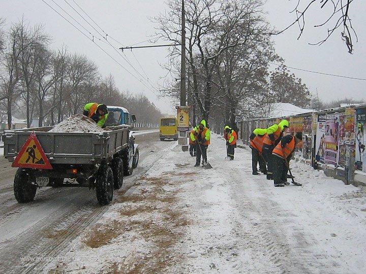 Николаевские коммунальщики привели улицы в порядок после первого снега (ФОТО) (фото) - фото 2