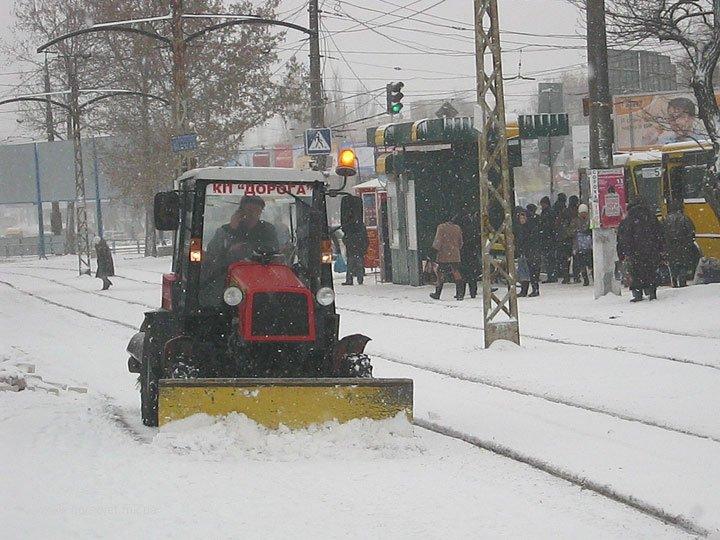 Николаевские коммунальщики привели улицы в порядок после первого снега (ФОТО) (фото) - фото 5