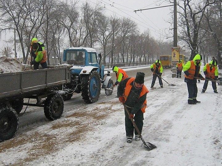Николаевские коммунальщики привели улицы в порядок после первого снега (ФОТО) (фото) - фото 1