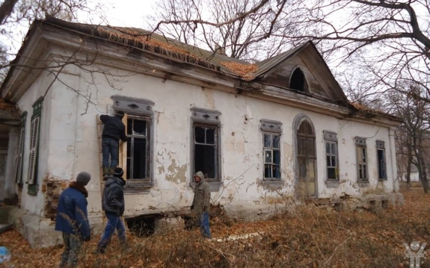 Активисты приступили к спасению уникального исторического памятника в Черниговской области (фото) - фото 1