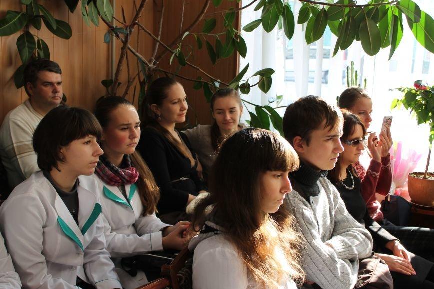 В Центральной библиотеке города Днепродзержинск прошла встреча с самым молодым членом Национального союза писателей Украины, фото-2