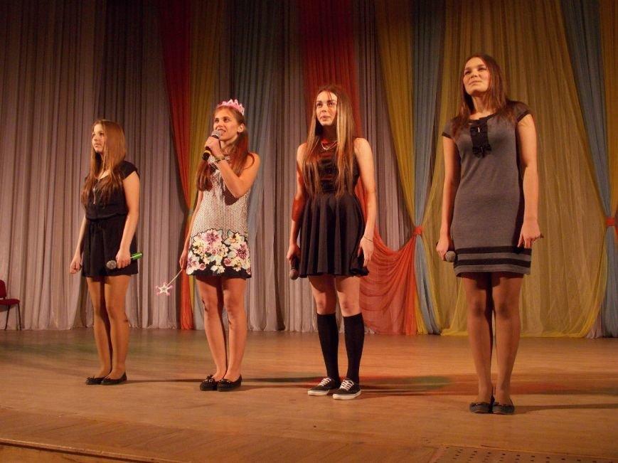 В СумГУ состоялись полуфиналы Сумской открытой школьной лиги КВН (фото) - фото 1