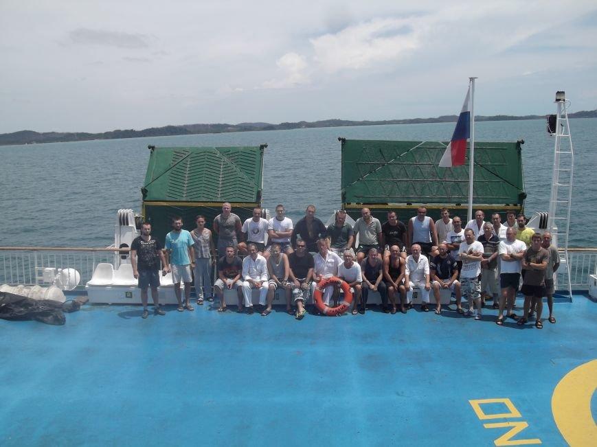 Часть одесситов из брошенного в Индонезии судна вернулись домой (ФОТО) (фото) - фото 1