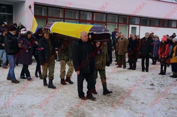 В Запорожской области похоронили бойца, погибшего во время боя под Мариуполем, фото-3