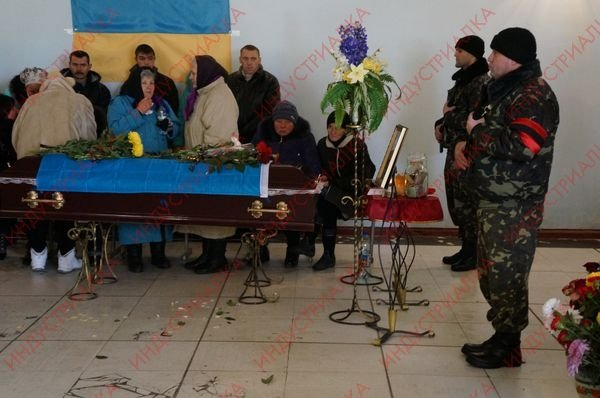 В Запорожской области похоронили бойца, погибшего во время боя под Мариуполем, фото-6