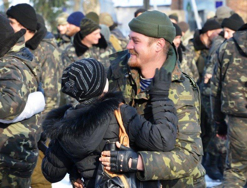 Николаевцы тепло встретили 19 тербатальон, вернувшийся из зоны АТО (ФОТО) (фото) - фото 4