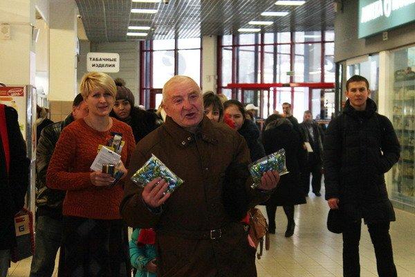 В гродненском гипермаркете прошла благотворительная акция для детей-инвалидов (Фото), фото-4
