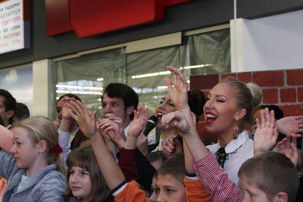 В гродненском гипермаркете прошла благотворительная акция для детей-инвалидов (Фото), фото-3