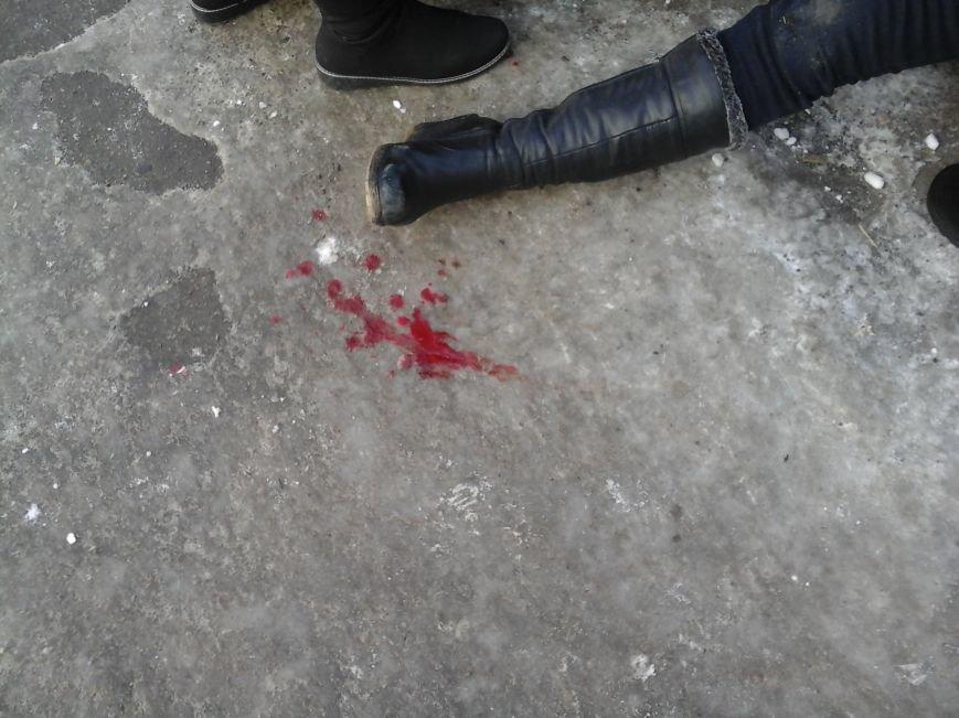 В центре Кривого Рога прохожие спасли жизнь женщине (ФОТОФАКТ), фото-2