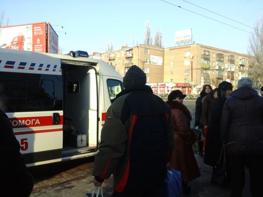 В центре Кривого Рога прохожие спасли жизнь женщине (ФОТОФАКТ), фото-3