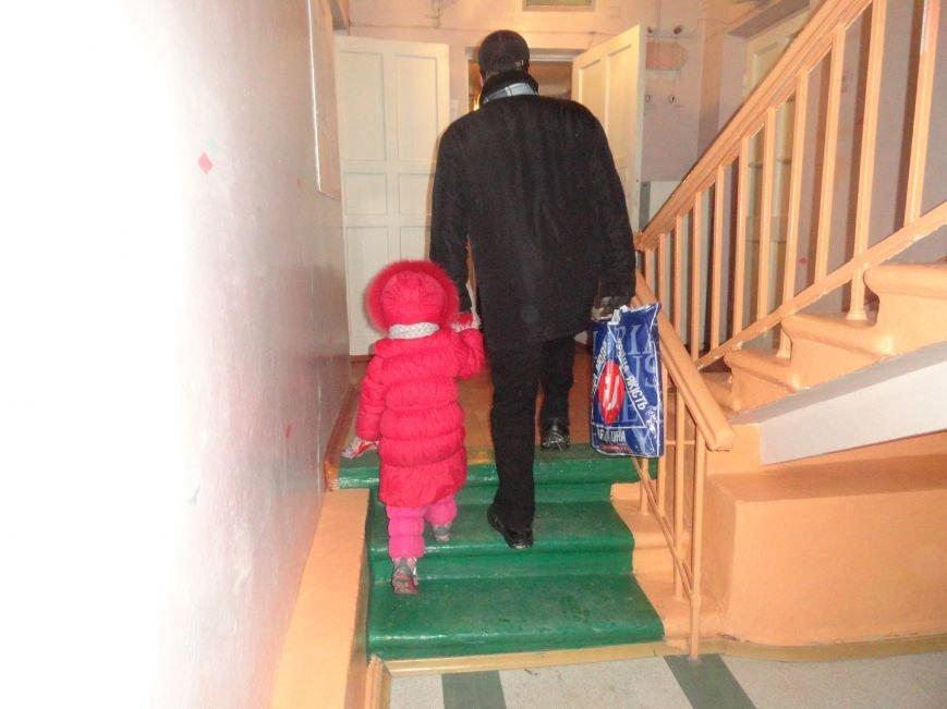 В Мариуполе хотят расформировать Дом творчества детей. Родители блокируют действия чиновников (ФОТО+ВИДЕО+ДОПОЛНЕНО) (фото) - фото 2