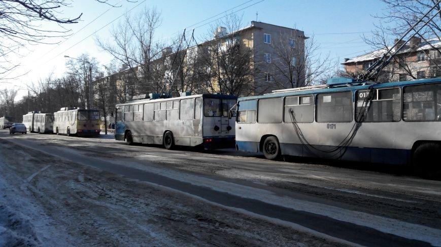 Веерные отключения в Краматорске добрались до электротранспорта (фото) - фото 1