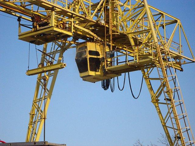 В Николаеве 17 спасателей тушили загоревшийся кран на высоте птичьего полета (ФОТО) (фото) - фото 2